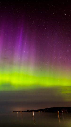 Northern Lights Aurora Horizon Wallpaper 1080x1920 300x533 - Nature Wallpapers